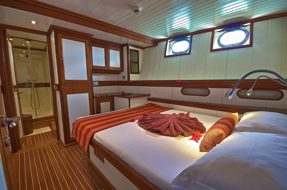 Galatea-Double-Cabin_x.jpg